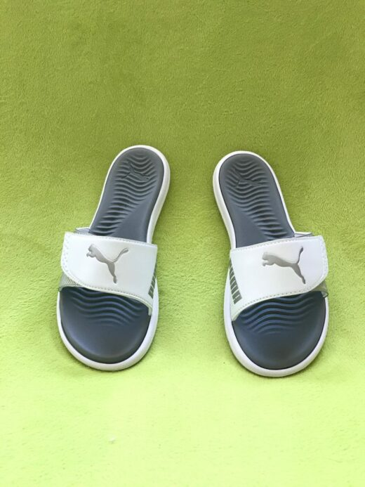 Puma Ladies Slides Beach Sandals Slippers Surfcat Wns White and Silver. Front view